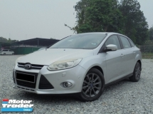2012 FORD FOCUS  2.0 Titanium Plus Keyless Sunroof AutoPARK LikeNEW