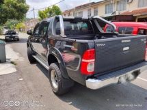 2013 TOYOTA HILUX DOUBLE CAB SSR BLACK LIMITED