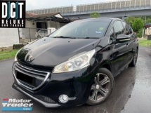 2016 PEUGEOT 208 UNDER WARRANTY NEW FACELIFT ONE LADY OWNER FULL SERVICE SUPER LOW MILEAGE 25KKM 99% LIKE NEW CAR MUCH BUY