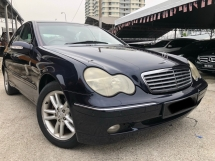 2004 MERCEDES-BENZ C-CLASS C200 KOMPRESSOR,One Owner,Tiptop Condition