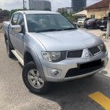 2013 MITSUBISHI TRITON 2.5 MT FACELIFT FREE 1YEAR WARRANTY GOOD CONDITION LOW MLEAGE LIKE NEW ACCIDENT FREE AND 1 CAREFUL OWNER