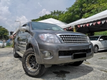 2010 TOYOTA HILUX DOUBLE CAB 2.5G (AT) no off road 4x4 full spec high loan / low d/p