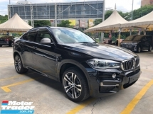 2016 BMW X6 M Sport Performance M50d 3.0 Twin-Turbo 376hp Full Digital Meter Head Up Display 360 Camera Harman Kardon Premium Intelligent Full-LED Lights Sun Roof Memory Bucket Seat Sport PLUS Paddle Shift Pre-Crash Lane Departure Warning Pedestrian Alert Unreg