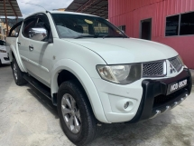 2012 MITSUBISHI TRITON 25 AUTO VGT 4X4  TIP TOP CONDITION