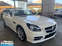 2015 MERCEDES-BENZ SLK SLK200 AMG 2.0 Convertible 9-G TRONIC Red Interior Unregister Recon SST Inclusive Loan Available