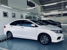 2020 HONDA CITY S E V 1.5 i-VTEC 120hp 7-speed Continuous Variable Transmission Vehicle Stability Assist ABS Braking Eco Button Bluetooth Connectivity Smart Entry Push Start Button Paddle Shift Full LED Lights Rear Aircond