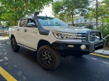 2016 TOYOTA HILUX DOUBLE CAB 2.8G AT 4X4 **WARRANTY TILL 2021, IMPORTED LEATHER INTERIOR, LIKE NEW, ONLY ONE IN MARKET**