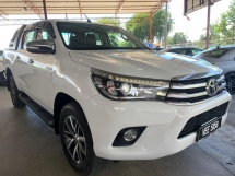 2016 TOYOTA HILUX 2.8 AUTO 4X4  TIP TOP CONDITION