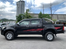 2010 TOYOTA HILUX DOUBLE CAB 2.5 G (MT) 1 OWNER - NEVER OFF ROAD - LEATHER SEAT - LOW MILEAGE - TIP TOP CONDITION - VIEW TO BELIEVE...