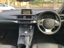 2013 LEXUS CT200H HYBRID LUXURY 1.8 LIKE NEW CAR