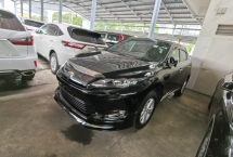 2015 TOYOTA HARRIER 2.0 PRE FACELIFT PANORAMIC ROOF GENUINE YEAR MAKE 2015 HALF SST POWER BOOTH PRE CRASH 360 CAMERA UNR