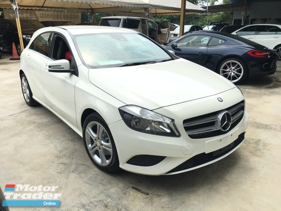 2014 MERCEDES-BENZ A-CLASS A180 CGi Turbocharged 7GDCT Distronic Plus Multi Function Paddle Shift Steering Reverse Camera