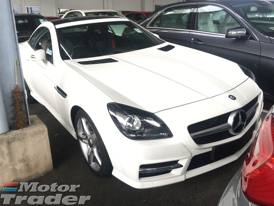 2015 MERCEDES-BENZ SLK SLK200 CGi AMG Sport 7GTronic BlueEfficiency Panoramic Roof Multi Function Paddle Shift Steering LED Sport Bucket Seat 6 Disc Changer Dual Zone Climate Control Auto Cruise Control Bluetooth Connectivity 1 Year Warranty Unreg