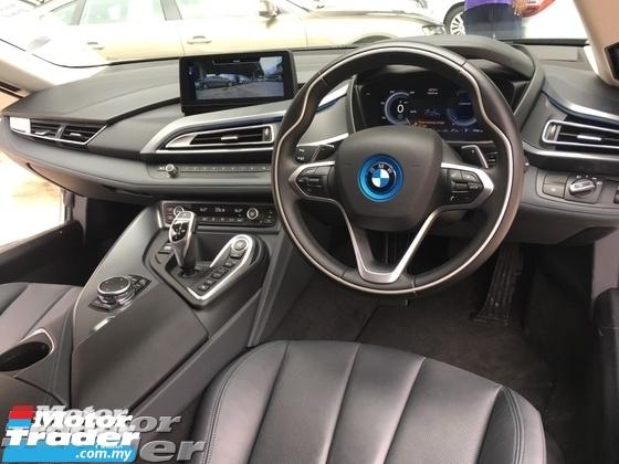 2016 BMW I8 1.5 eDrive L3 Turbocharged   Hybrid Synchronous Motor Harman Kardon Surround System 4 Surround Camera Head Up Display Adaptive Intelligent LED Multi Function Paddle Shift Steering ComfortEco Pro Selection PreCrash Intelligent Safety Unreg