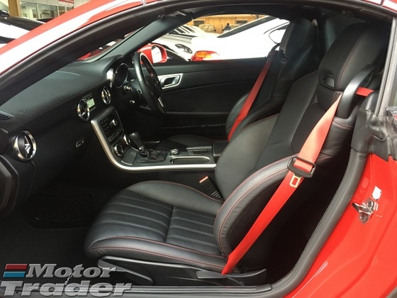 2014 MERCEDES-BENZ SLK SLK200 AMG Sport 7GTronic Panoramic Roof