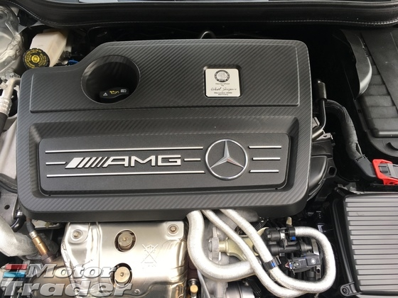 2014 MERCEDES-BENZ A-CLASS A45 AMG Sport 2.0 4MATIC Distronic Plus 2 Memory Seat Xenon LED Reverse Camera Paddle Shift