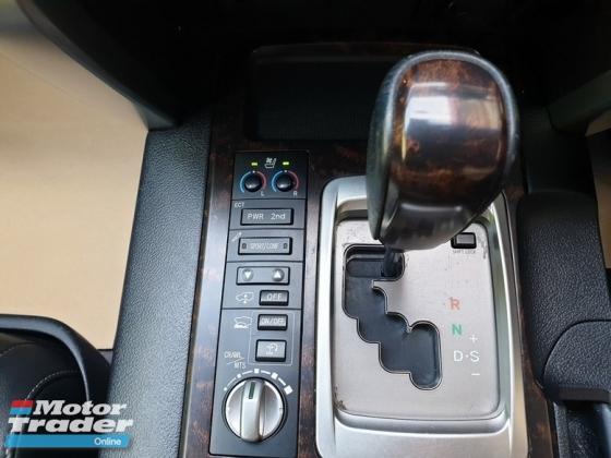 2011 TOYOTA LAND CRUISER 4.6 V8 ZX Facelift Bodykit Full Spec