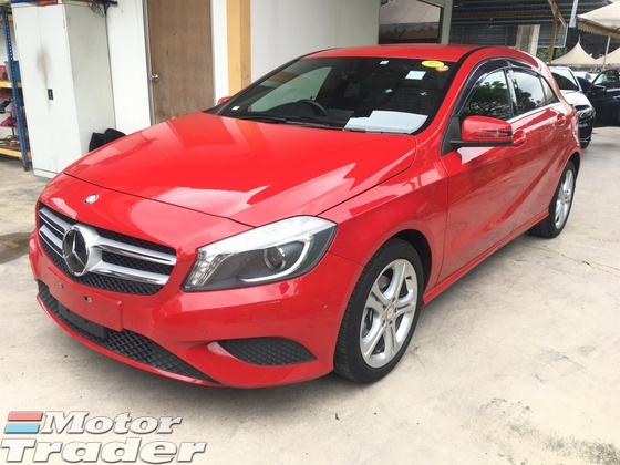 2014 MERCEDES-BENZ A-CLASS A180 CGi Turbocharge 7GDCT Distronic Plus PreCrash Bucket Seat Multi Function Paddle Shift Steering Reverse Camera Blind Spot Indicator Daytime Running LED Xenon Light Bluetooth Connectivity 1 Year Warranty Unreg
