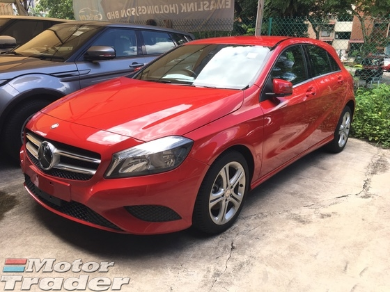 2013 MERCEDES-BENZ A-CLASS A180 CGi Turbocharge 7GDCT 7Speed Distronic Radar Sensor Bucket Seat Multi Function Paddle Shift Steering Parktronic Assist with Reverse Camera Bluetooth Connectivity Dual Zone Climate Control Auto Cruise Control 1 Year Warranty Unreg