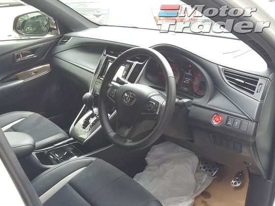 2015 TOYOTA HARRIER 2.0 GS Edition
