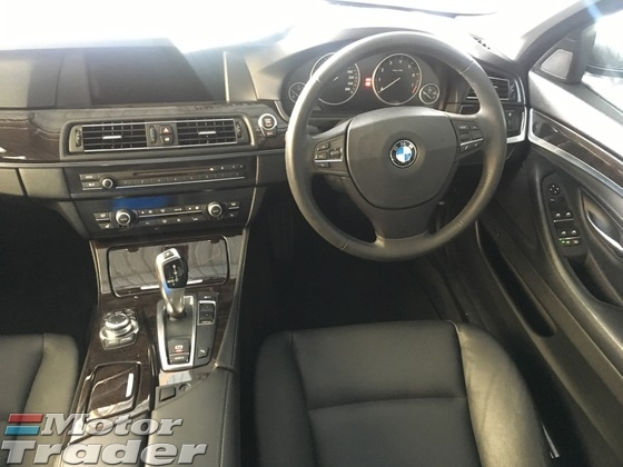 2012 BMW 5 SERIES 528i F10 2.0 Twin Power Turbo 245hp Sport Plus Sport Comfort Selection Memory Leather Seats Auto Telescopic Multi Function Steering Keyless Smart Entry Push Start Button Reverse Camera Bluetooth Xenon LED Auto Cruise Dual Zone Climate 1 Year Warranty