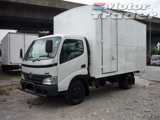 2009 HINO HINO OTHER WU410 3Ton Lorry Box