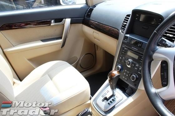 2010 CHEVROLET CAPTIVA LT 2.4 L AWD PETROL (ACTUAL YR MADE 2010)(GST INCLU)(FULL SERVICE)(REG 2011)(7 SEATER SUV)(1 OWNER)