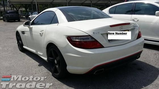 2012 MERCEDES-BENZ SLK AMG PANAROMIC CONVERTIBLE LIKE NEW