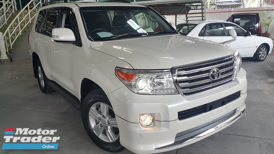 2015 TOYOTA LAND CRUISER  4.6 (A)CAR KING MEGA SALE PLS CALL 019 3839680 CHONG