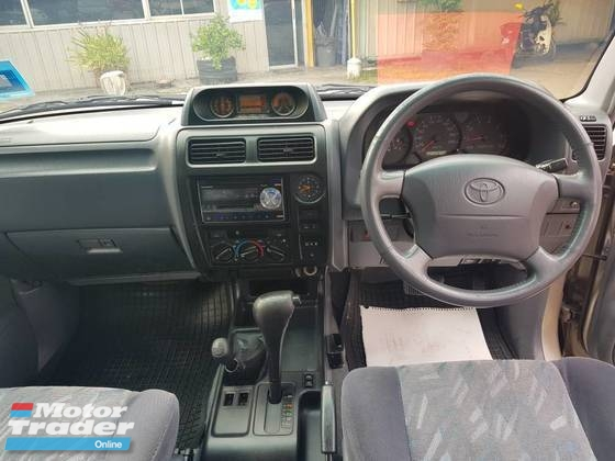 2000 TOYOTA PRADO 2.7 (A) PETROL 4 X 4, TOWN, USED, NO OFF ROAD, DOUBLE AIR-COUND, VERY WELL MAINTAIN, 4 X4 KING, PJ LOCATION