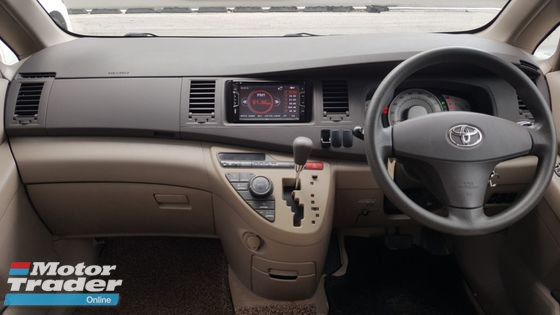 2005 TOYOTA ISIS G