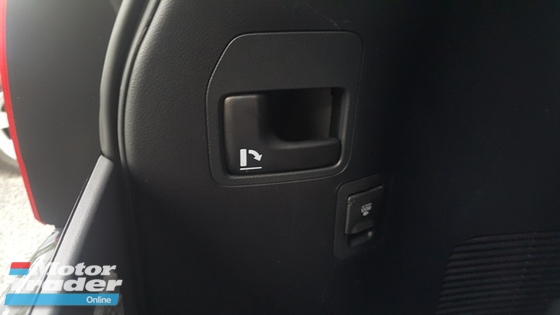 2014 TOYOTA LAND CRUISER 2014 Toyota Land Cruiser 4.6 ZX SUV AXG PETROL 7 SEATER UNREG OFFER
