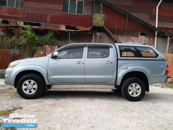 2014 TOYOTA HILUX 4WD KING TIPTOP CONDITION NEW CONDITION