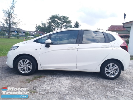2017 HONDA JAZZ ORI 15K MILEAGE 1 OWNER FULL SERVICE UNDER WARRANTY