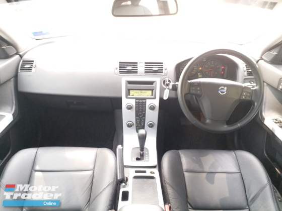 2008 VOLVO S40 2.4I LOW MILEGE FULL LEATHER SEAT 1 DOCTOR OWNER LIKE NEW CAR