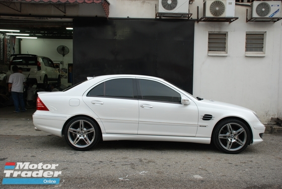 Mercedes Benz CClass W203 Side Grille Exterior & Body Parts > Car body kits