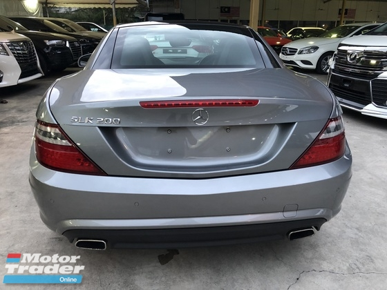 2014 MERCEDES-BENZ SLK  SLK200 AMG Sport 7G-Tronic Turbocharged Panoramic Roof Multi Function Paddle Shift Steering Bucket Seats Bluetooth® Connectivity Unreg