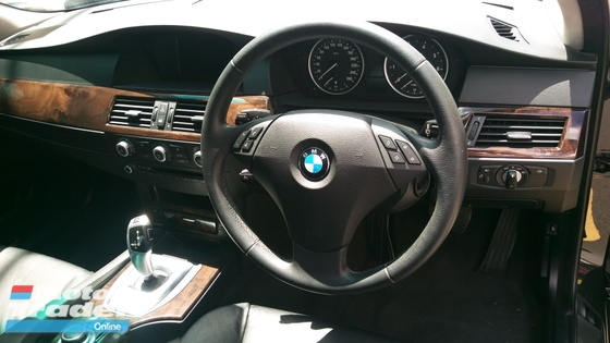 2009 BMW 5 SERIES 523i Local LCI New Facelift TRUE YEAR MADE 2009 NO GST NO SST Low Mileage Full Service Record