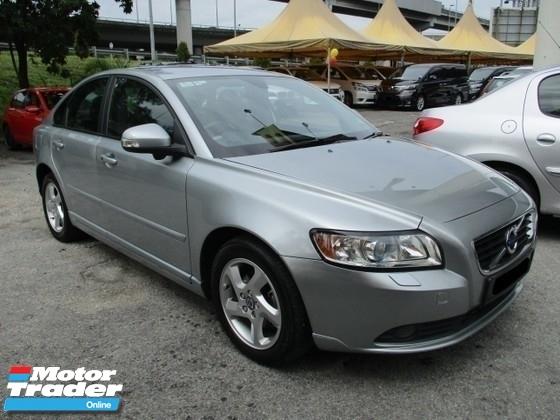2011 VOLVO S40 2.0 (A)