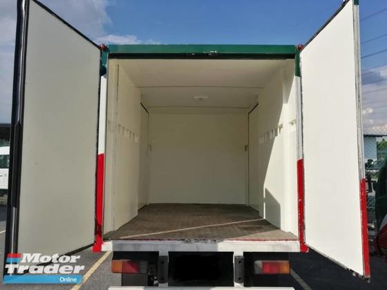 2011 HINO  WU300R 10 Feet Aluminium Box Van ISUZU FUSO DAIHATSU NISSAN UD HICOM