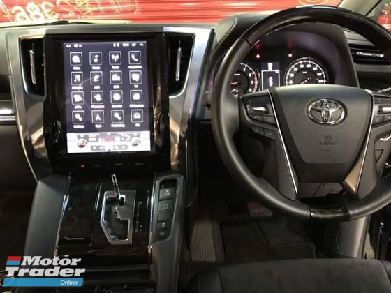 Toyota vellfire alphard Oem plug n play Oem Android players 12 large screen  In car entertainment & Car navigation system > Camera and video in car