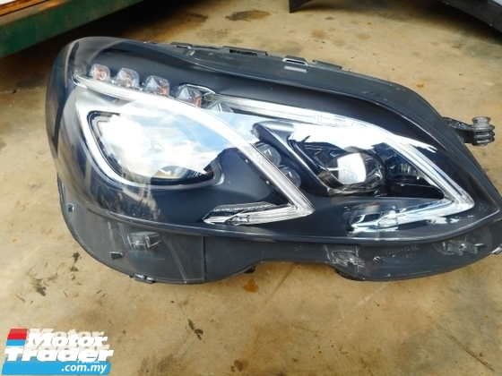 MERCEDES BENZ W212 E CLASS HEAD LAMP DAYLIGHT NEW USED RECOND CAR PARTS SPARE PARTS AUTO PART HALF CUT HALFCUT GEARBOX TRANSMISSION MERCEDES BENZ MALAYSIA