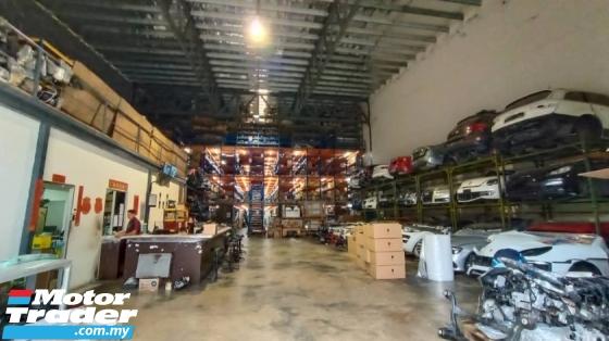 PORSCHE Cayenne 957 HEAD LAMP NEW USED RECOND AUTO CAR SPARE PART MALAYSIA