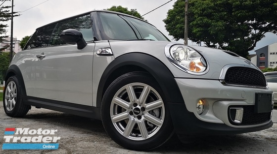 2013 MINI Cooper S 2013 MINI COOPER 1.6S JAPAN SPEC UNREG CAR SELLING PRICE ONLY ( RM 109000.00 NEGO ) SILVER WHITE