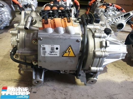 VOLVO XC90 T8 HYBRID DRIVE UNIT REAR AXLE NEW USED RECOND CAR PARTS SPARE PARTS AUTO PART HALF CUT HALFCUT GEARBOX TRANSMISSION MALAYSIA Enjin servis kereta potong separuh murah VOLVO Malaysia