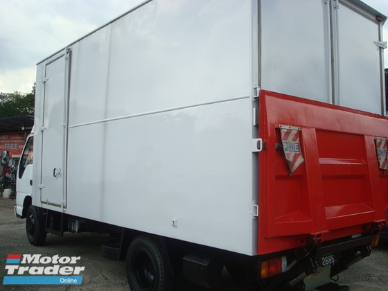 2010 HICOM 150 DXL 17FEET BOX TAILLIFT