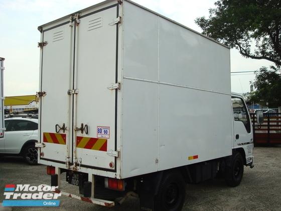 2012 ISUZU NKR 55 10FEET BOX