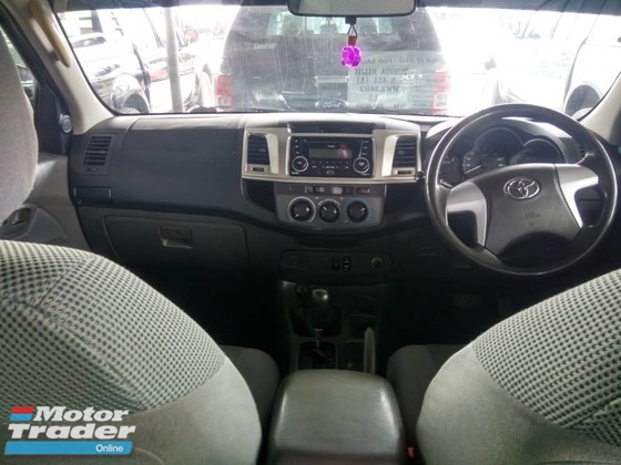 2012 TOYOTA HILUX DOUBLE CAB 2.5G (AT) TRD