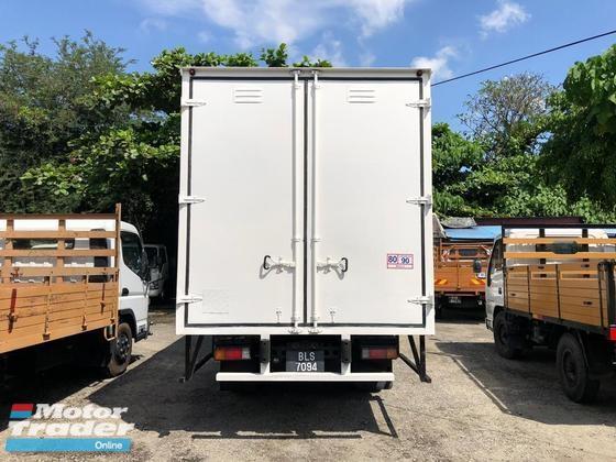 2012 Hino WU410 3 ton 17 feet box