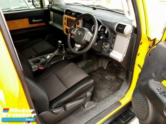 2013 TOYOTA FJ CRUISER Toyota FJ 4.0 CRUISER (A) 4WD